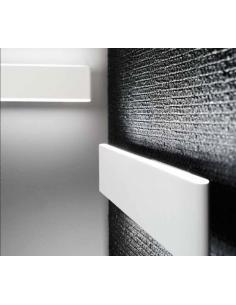 Applique in metallo verniciato bianco LED 23W