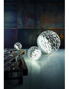 Kelly Small Sphere table